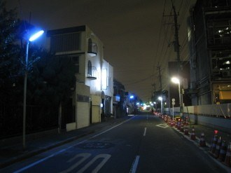 小杉町2丁目の青色防犯灯