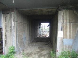 新幹線・横須賀線下のトンネル