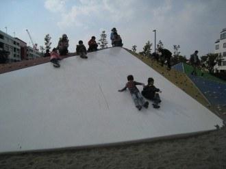 キッズパークの滑り台