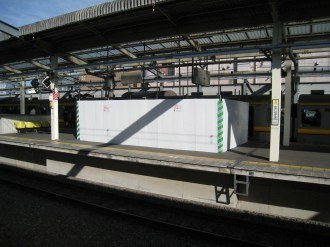 武蔵中原駅のエレベータ・ホーム階部分