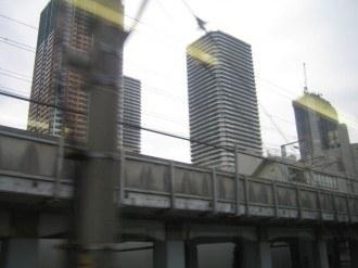 THE KOSUGI TOWERとリエトコート武蔵小杉