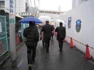 武蔵小杉に降る雪 旧こすぎFROM前