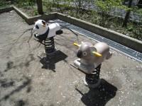 双日武蔵小杉社宅公園 スプリング遊具